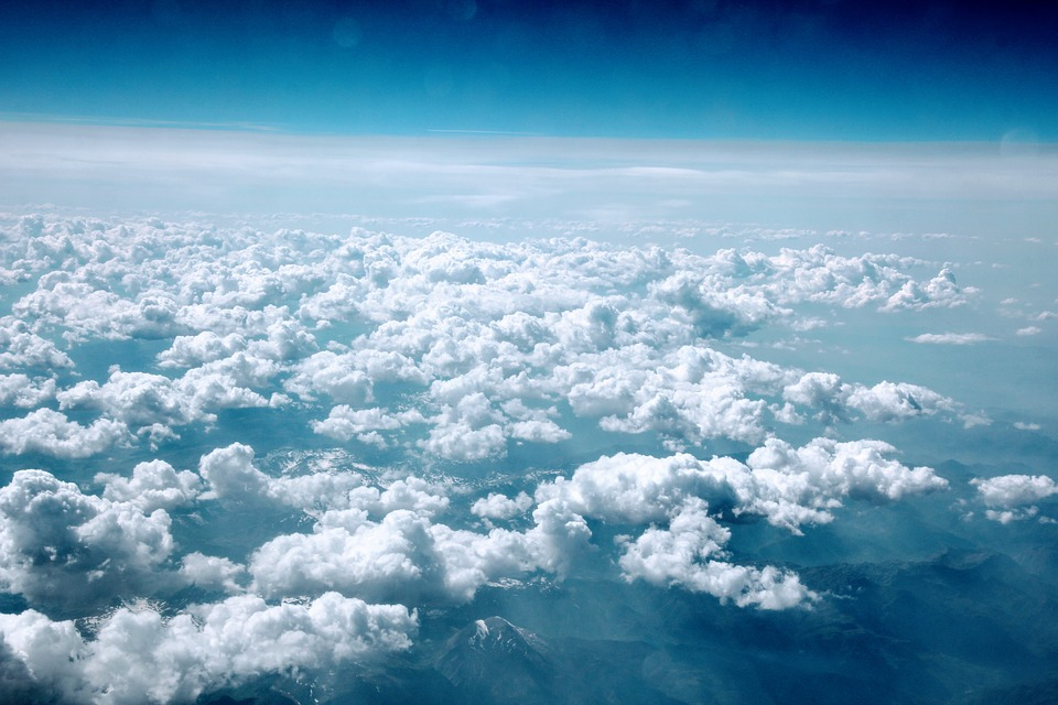 """Mas, afinal, por que as nuvens não """"caem"""" sobre nossas cabeças?"""