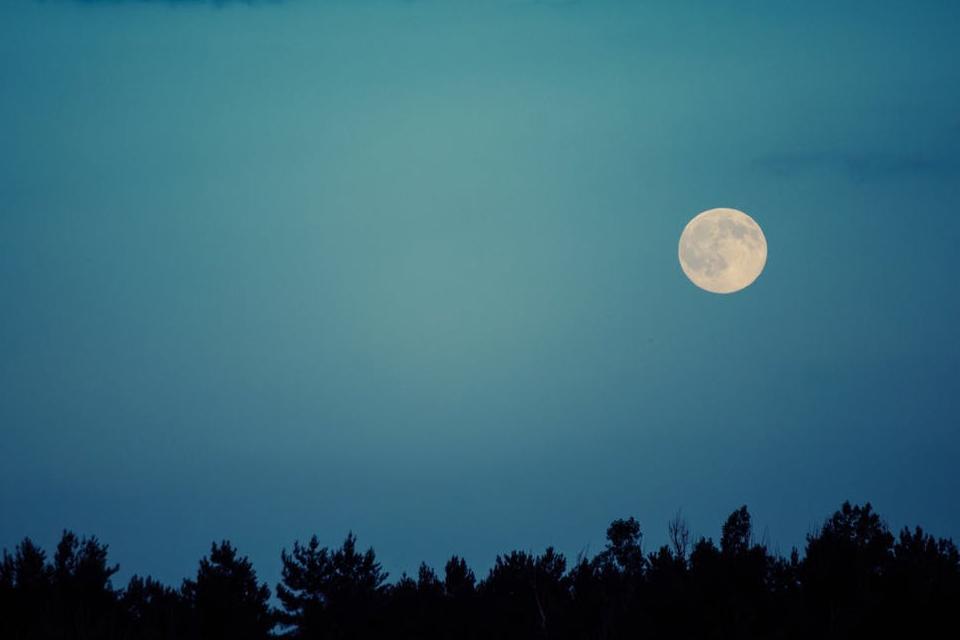 Missão chinesa irá explorar o lado escuro da Lua