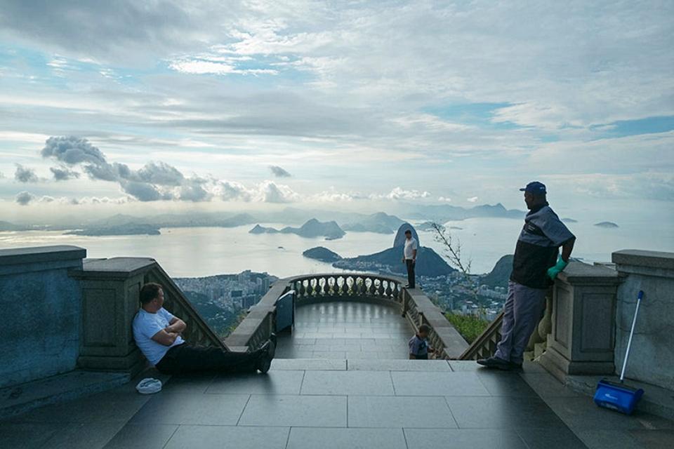 Britânico fotografa o lado 'errado' de pontos turísticos famosos