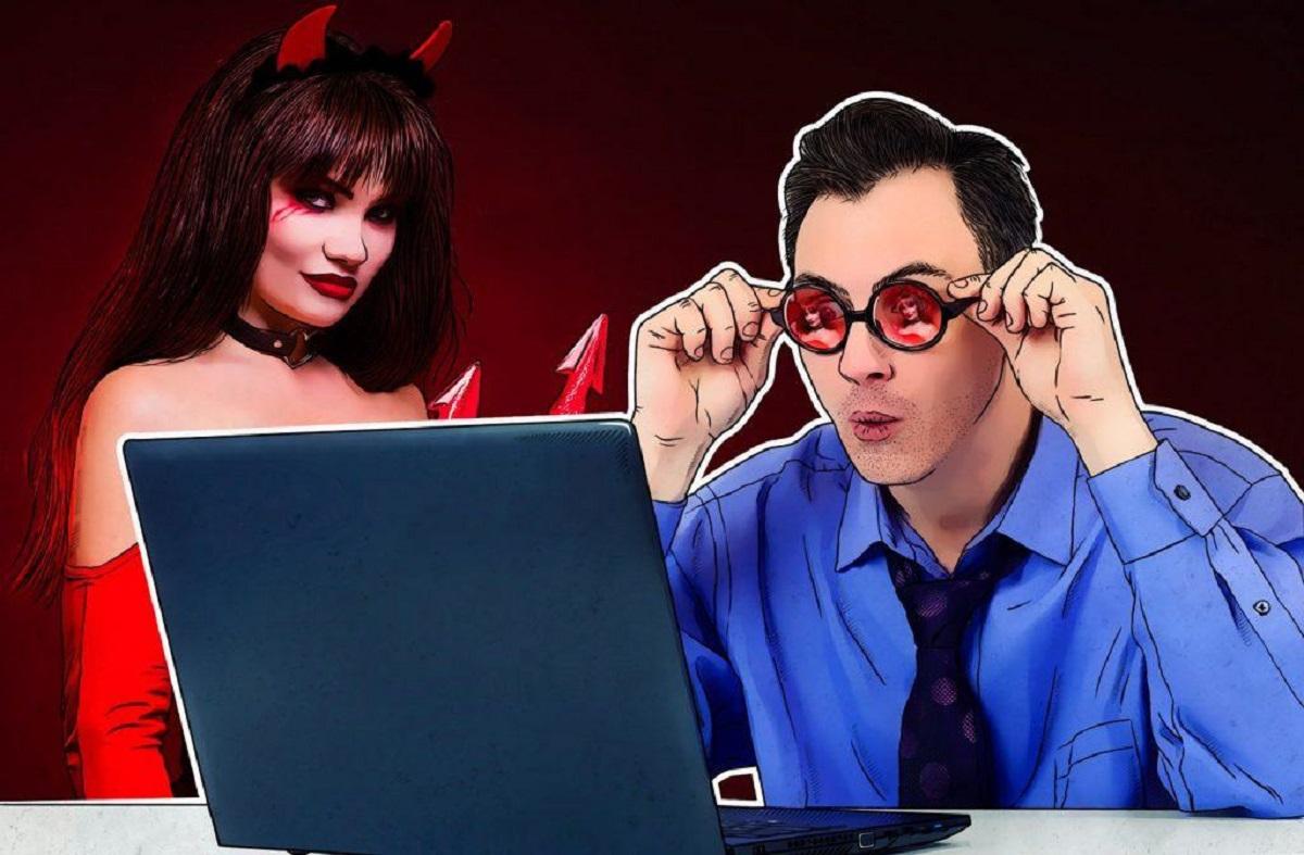 Estudo diz que 1 em 4 brasileiros assistem pornô no trabalho
