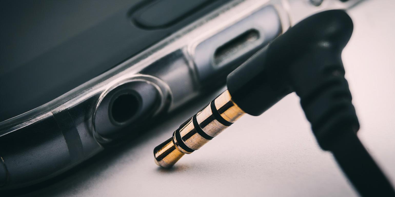 Pode comemorar: o jack para headphone vive no Samsung Galaxy S10