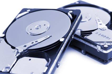 A memória virtual consome recursos do disco rígido