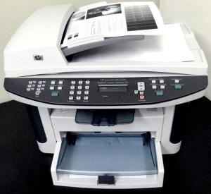 HP LaserJet M1522nf - Velocidade incrível para impressão e cópias!