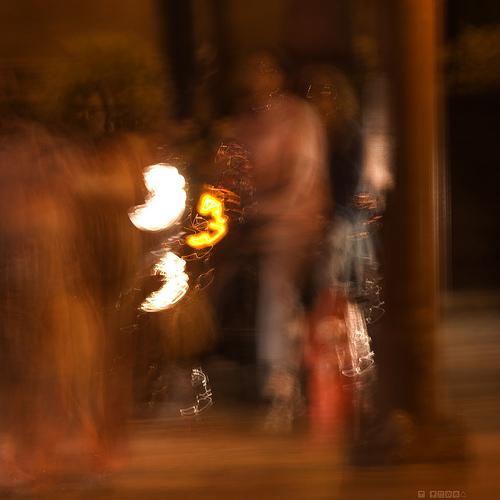 Foto noturna feita sem tripé, por DeusXFlorida.