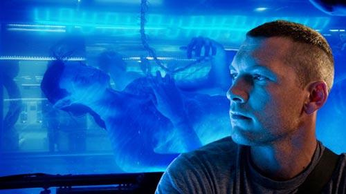 Jake Sully ao lado do seu Avatar. Foto: Divulgação / 20th Century Fox.