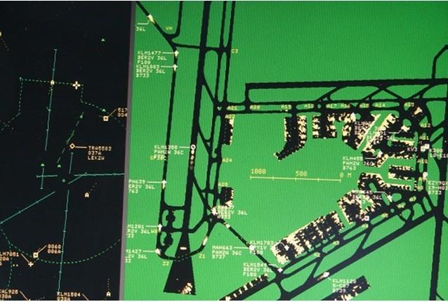 Mostra do radar de solo do Aeroporto Schipol de Amsterdã.