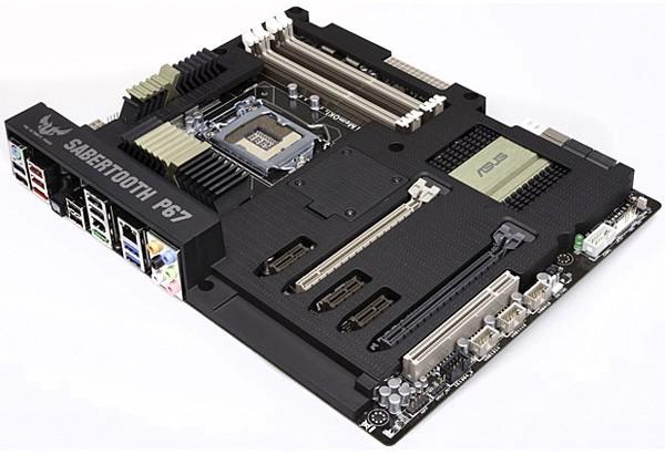 ASUS Sabertooth P67 é uma das placas-mãe já preparadas para os chips Sandy Bridge