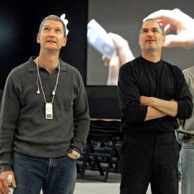 Cook aposta que se aposentará e Jobs ainda estará à frente da Apple