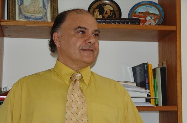 Prof. Dr. Elcio Abdalla, da USP