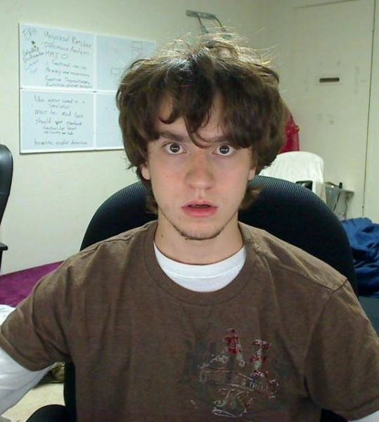 George Hotz em disputas frequentes com a Sony