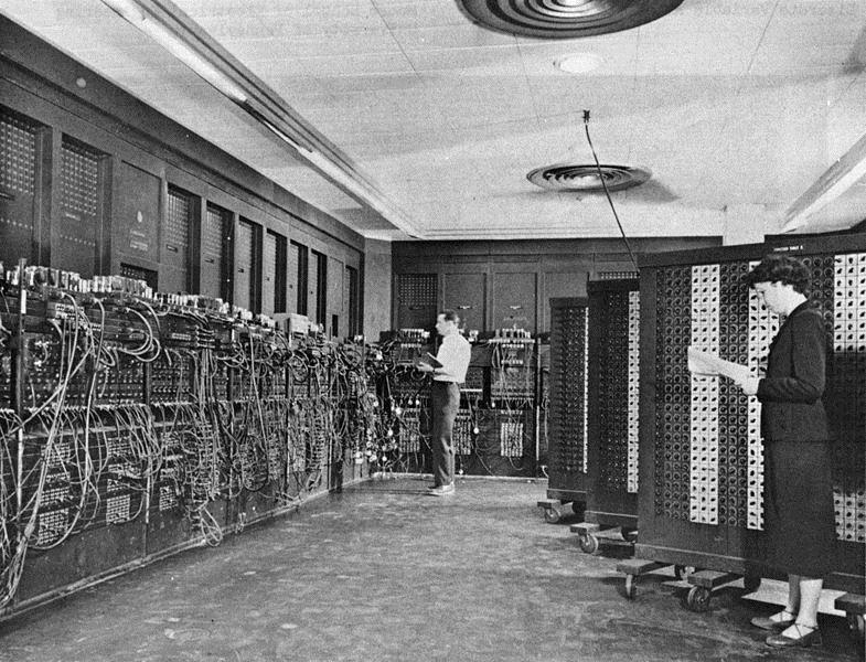 ENIAC e suas 18 mil válvulas