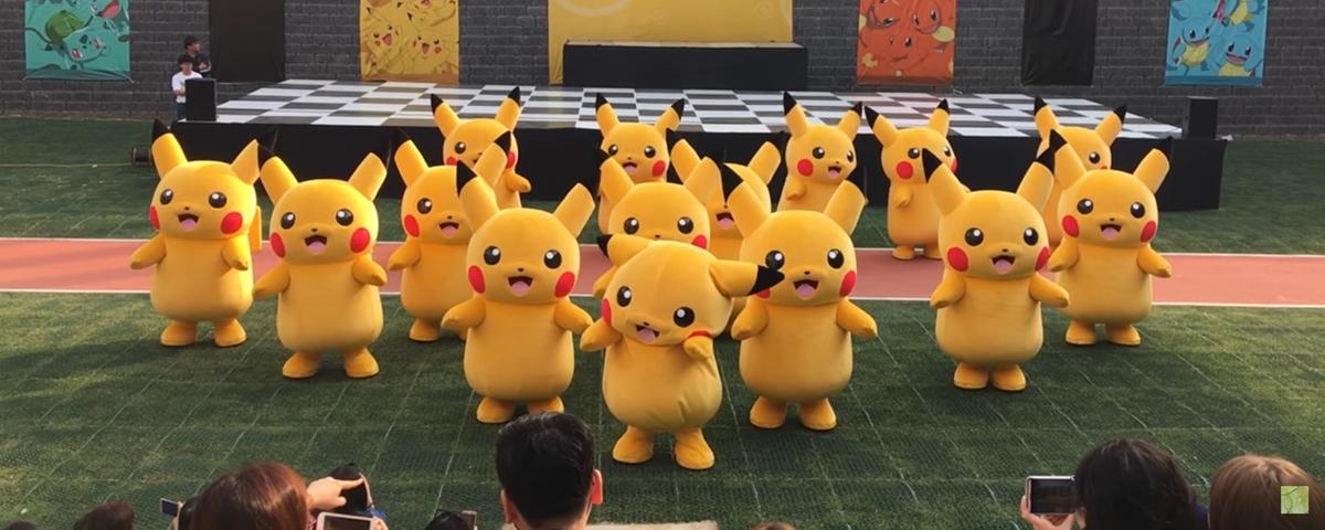 Gafe durante dança de Pikachus na Coreia rende vídeo cômico
