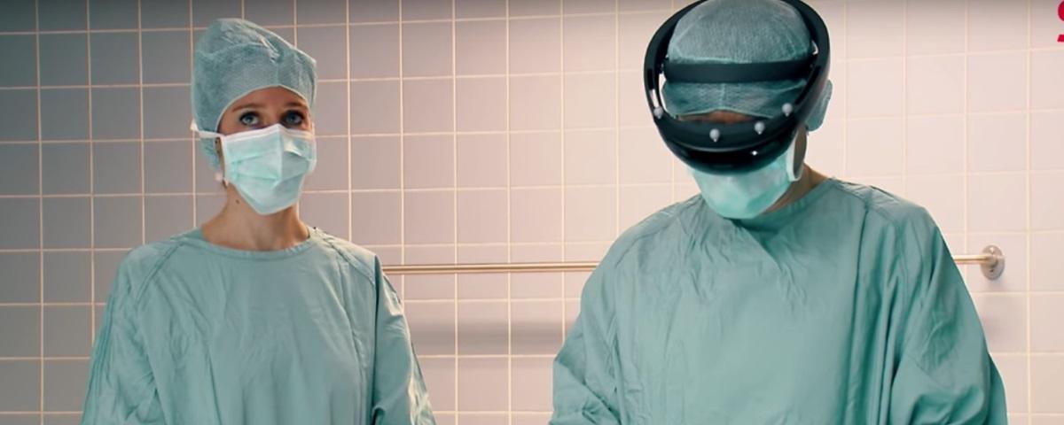 Plataforma permite usar o HoloLens em cirurgias de coluna vertebral