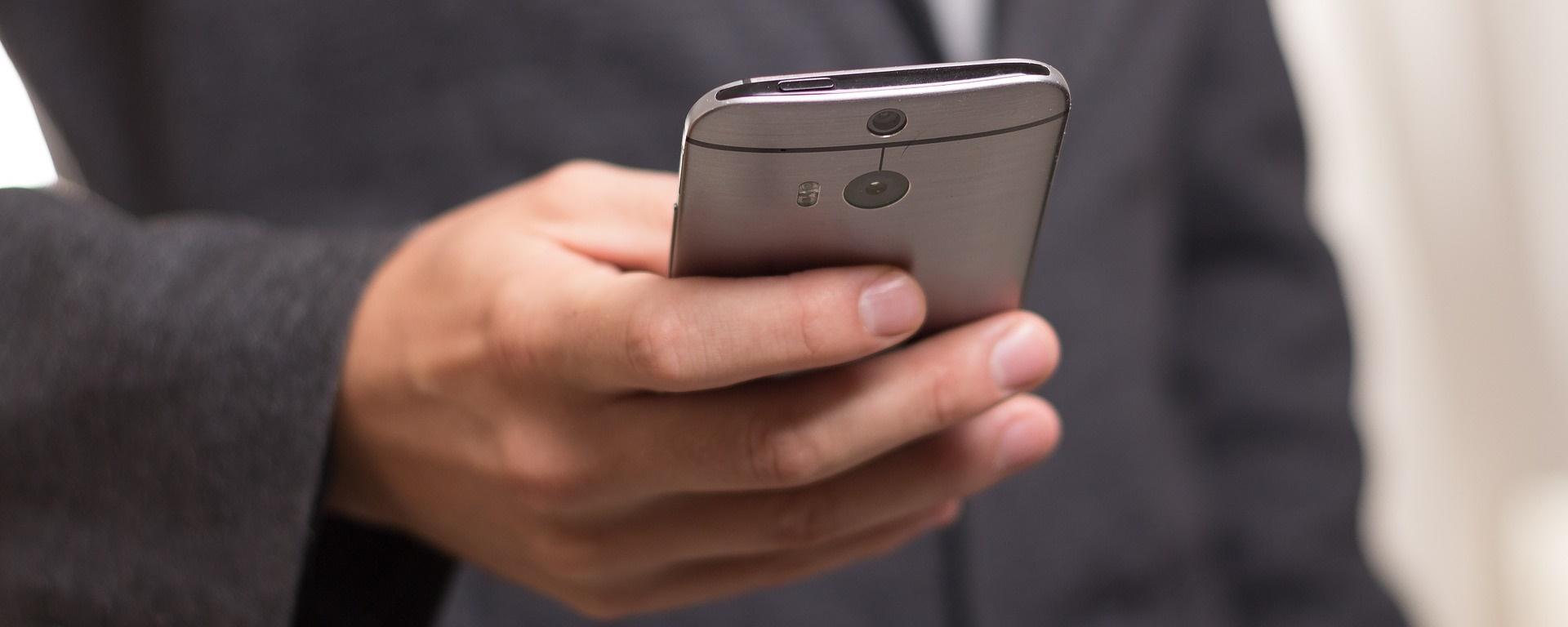 Operadoras virtuais Veek Telecom e Movttel iniciam vendas no próximo mês