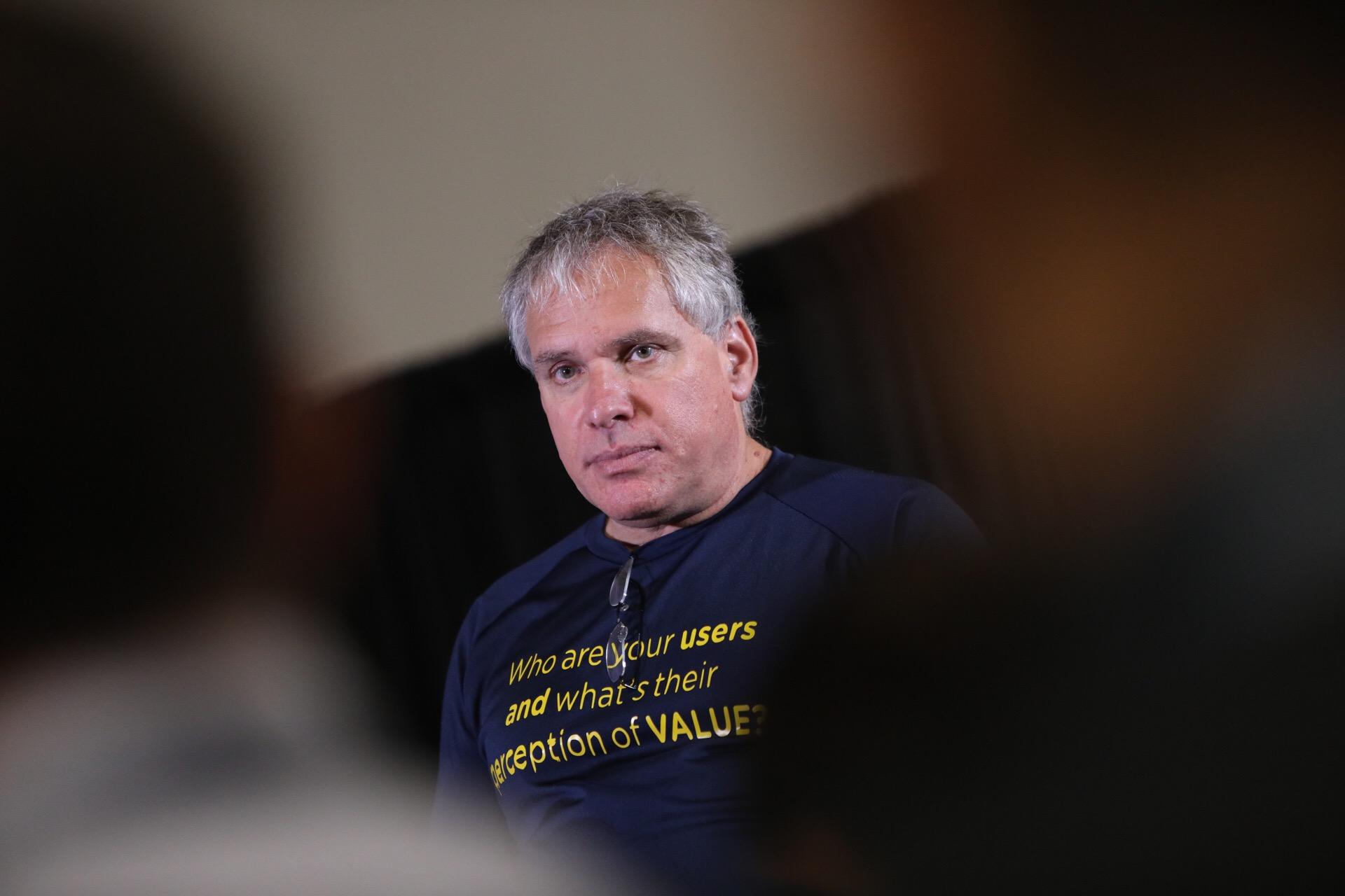 Fundador do Waze: 'Começar uma startup é como se apaixonar'
