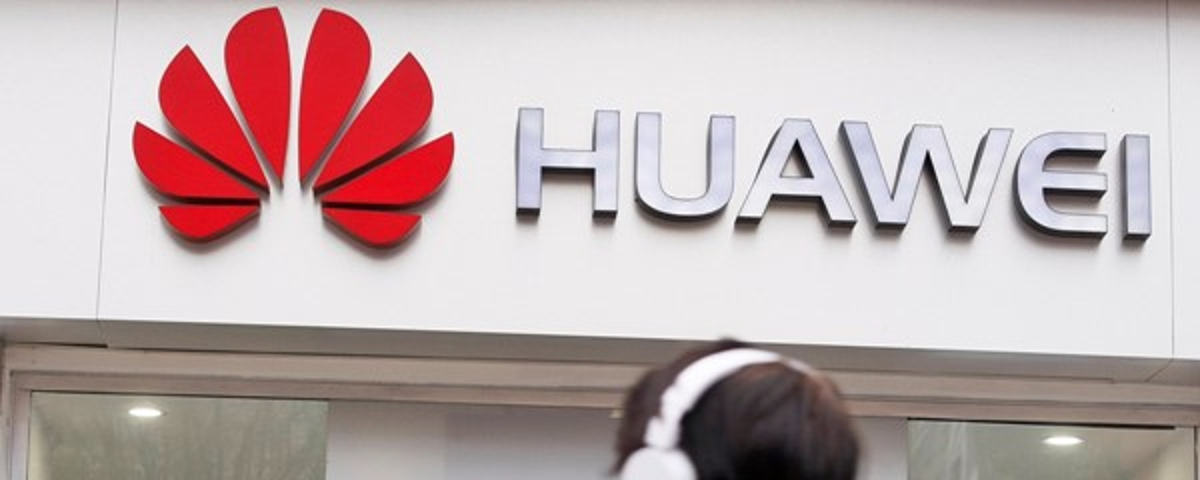 Tem Na Web - Funcionários da Huawei são punidos após tweet feito com um iPhone