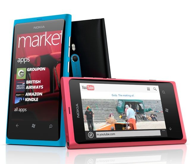 Lumia 800, primeiro Windows Phone da Nokia
