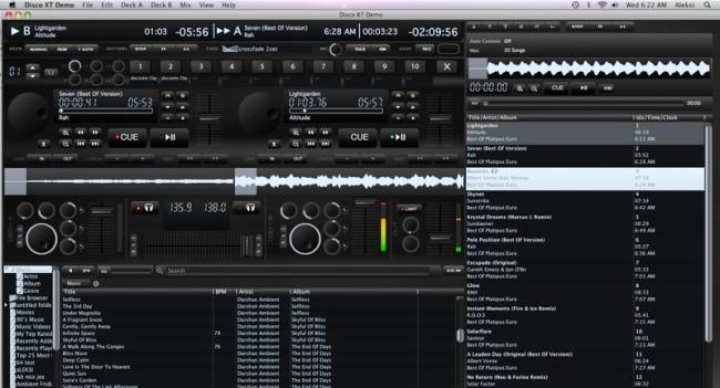 A interface é moderna e disponibiliza a maioria dos recursos com bastante praticidade.
