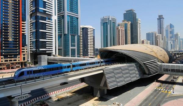 0887bfdf728 Passeie pelo metrô de Dubai