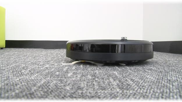 Analisamos o Roomba, o robô que faz a faxina em sua casa [vídeo]