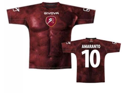 18 camisas bizarras de times de futebol espalhados pelo mundo - Mega ... 7f0a21bd2b5b1