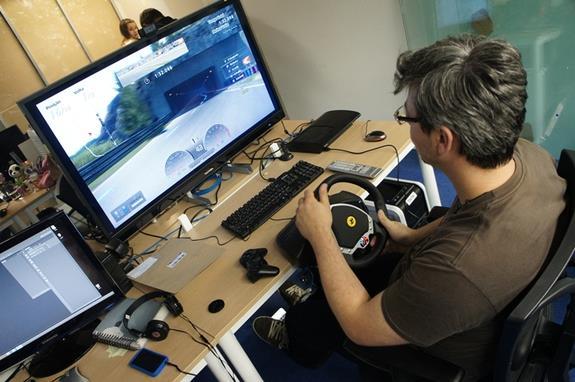Análise: volante Thrustmaster Ferrari F430 - TecMundo