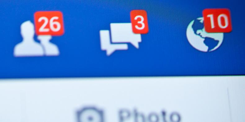 Pesquisa: ficar dois dias sem postar no Facebook é prejudicial à autoestima