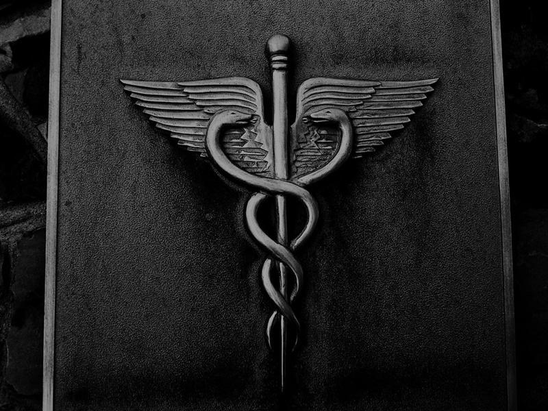 medical wallpaper black: 5 Símbolos Com Significados Completamente Diferentes Do