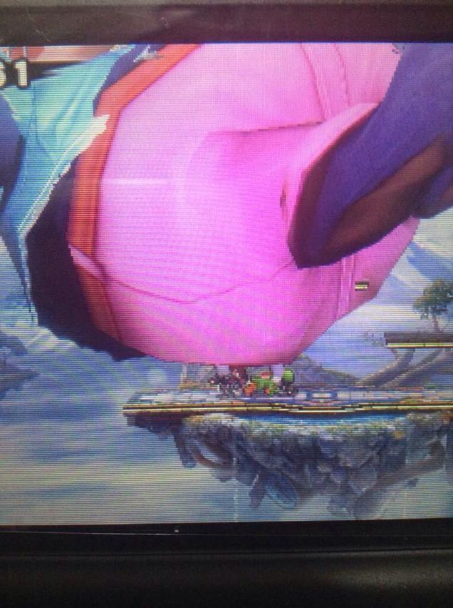 Bug de Super Smash Bros. transforma os lutadores em bonecos colossais