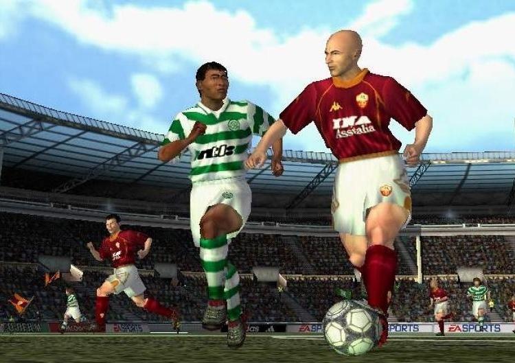 FIFA FOOTBALL 2002 (2001) (PS2, GameCube, PC e PlayStation) | Capa: Thierry Henry | Narração e comentários: John Motson e Andy Gray