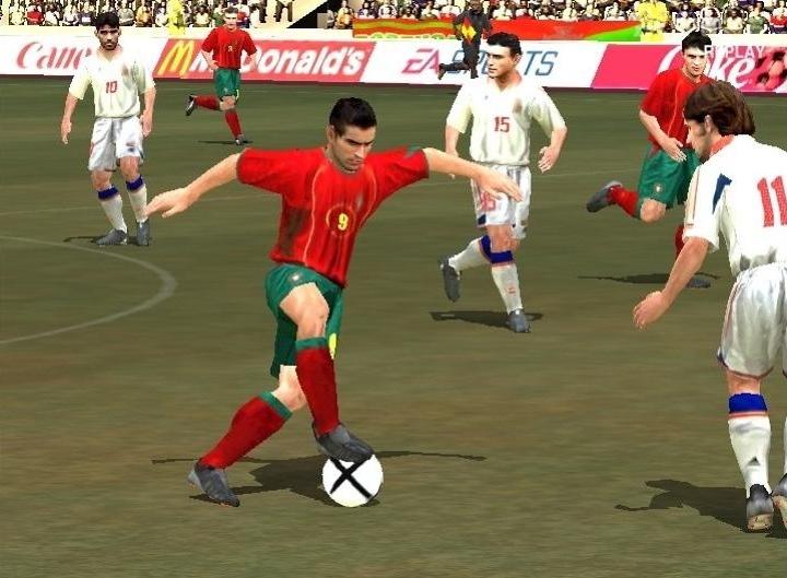 UEFA EURO 2004 (2004) (PS2, Xbox e PC) | Capa: logo da Euro 2004 | Narração e comentários: John Motson e Ally McCoist