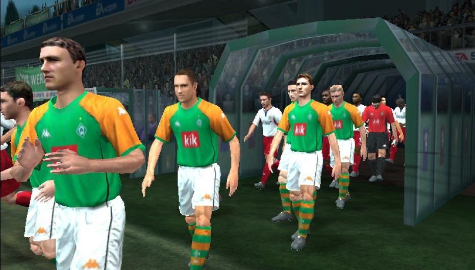 UEFA CHAMPIONS LEAGUE 2004-2005 (2005) (PS2, Xbox e PC) | Capa: logo da Champions League | Narração e comentários: Clive Tyldesley e Andy Gray