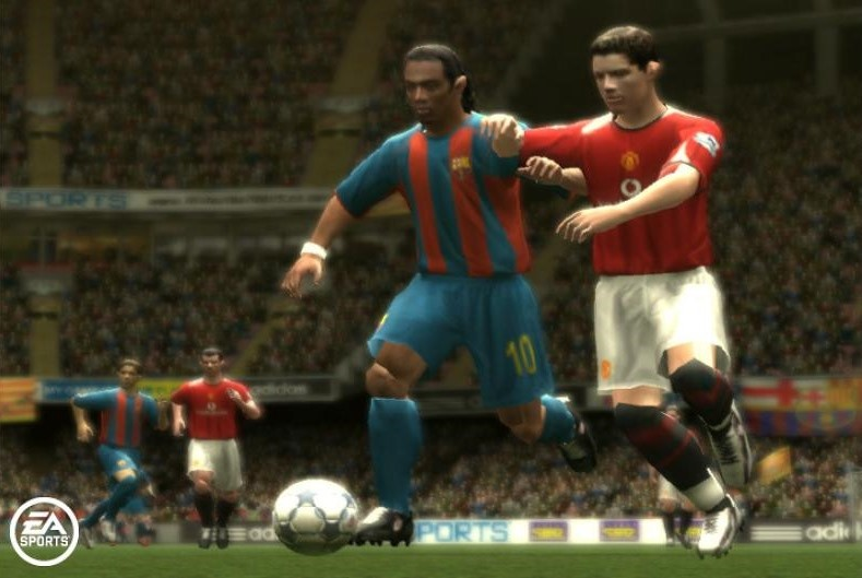 FIFA 06 (2005) (PS2, GameCube, Xbox, PC, PSP, DS, GBA e plataformas móveis) | Capa: Wayne Rooney e Ronaldinho | Narração e comentários: Clive Tyldesley e Andy Gray