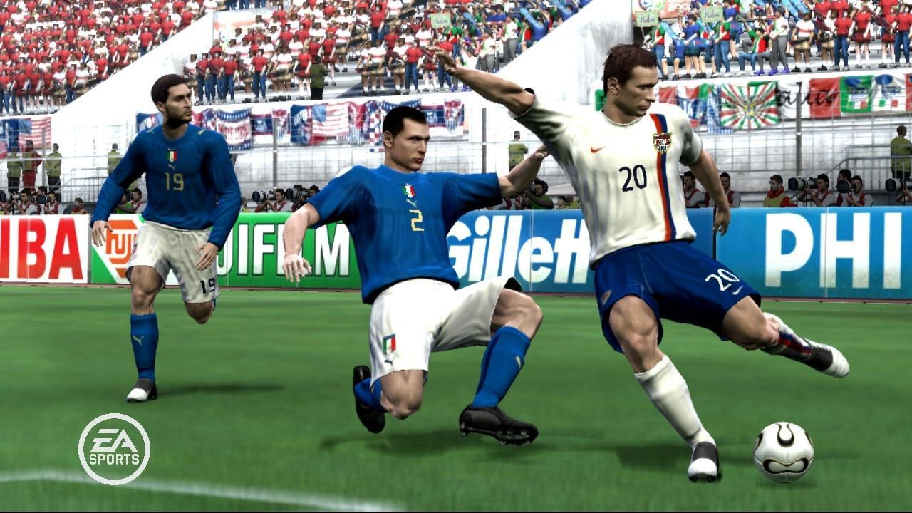 2006 FIFA WORLD CUP (2006) (Xbox 360, PS2, Xbox, GameCube, PC, PSP, DS, GBA e plataformas móveis) | Capa: Frank Lampard | Narração e comentários: Clive Tyldesley e Andy Townsend