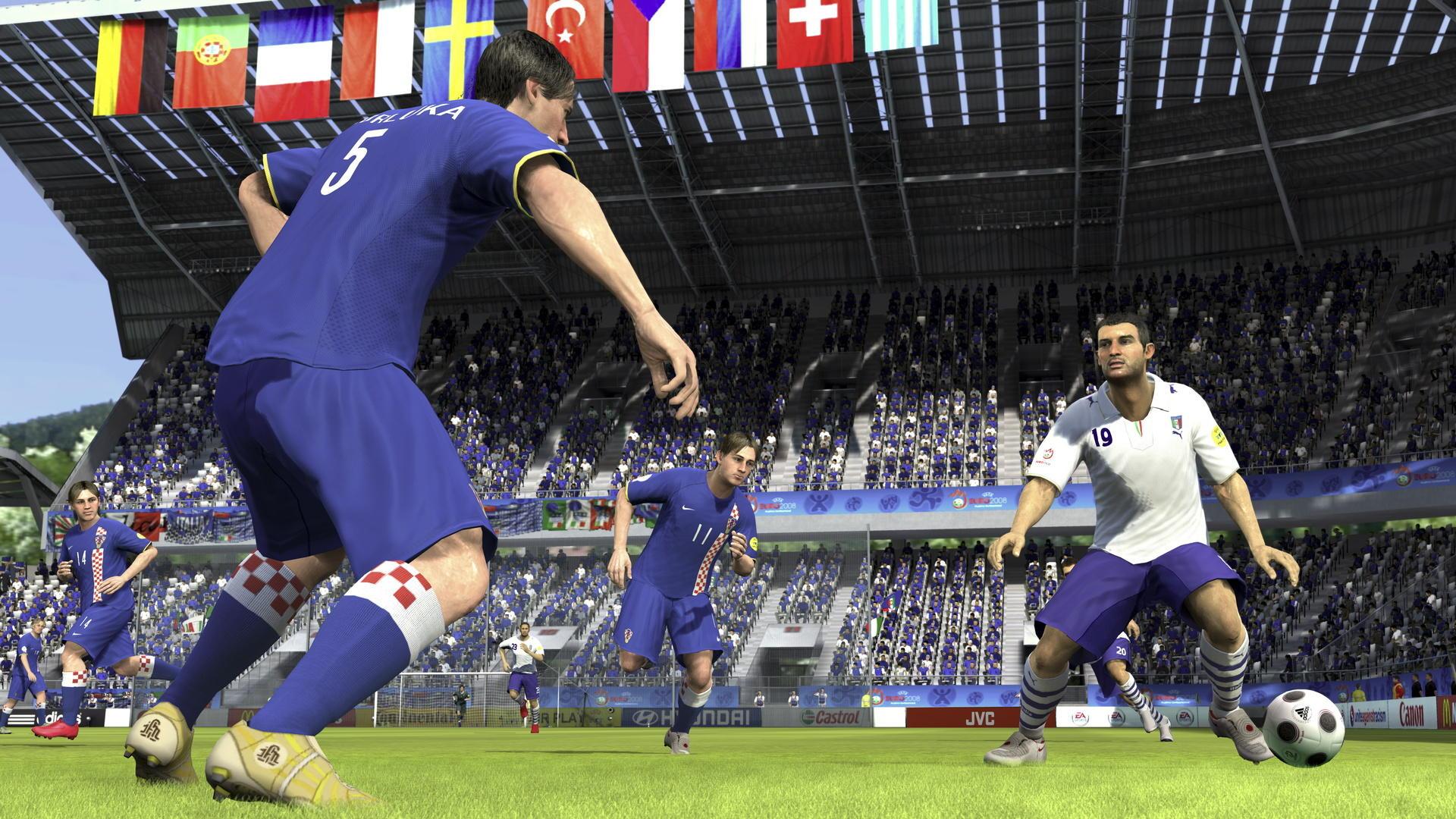 UEFA EURO 2008 (2008) (Xbox 360, PS3, PC, PS2, PSP e plataformas móveis) | Capa: logo da Euro 2008 | Narração e comentários: Clive Tyldesley e Andy Townsend