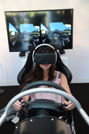 Test Drive virtual do RC F no Oculus Rift