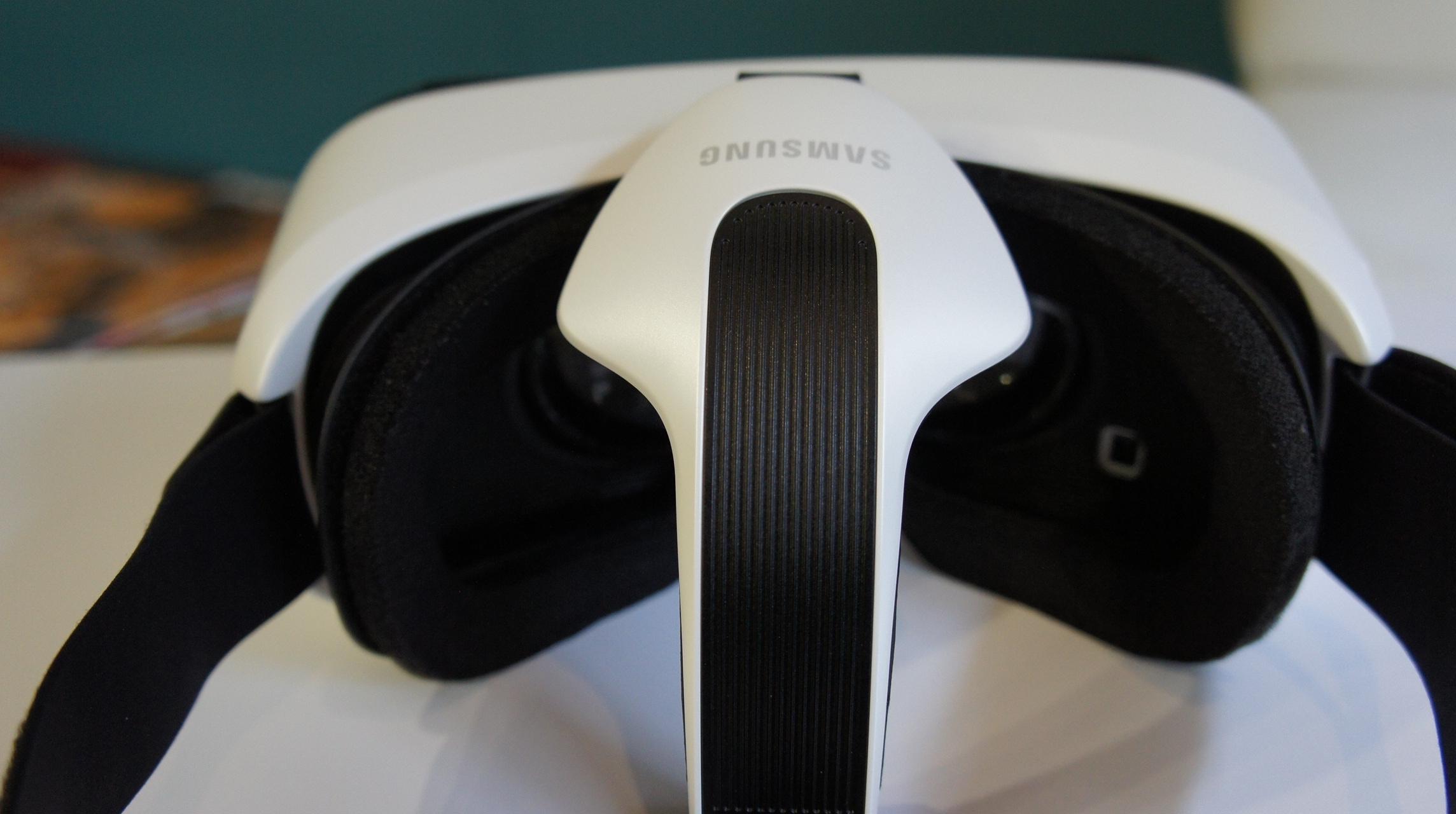 "Hands On: testamos o Gear VR, o ""Oculus Rift"" da Samsung"