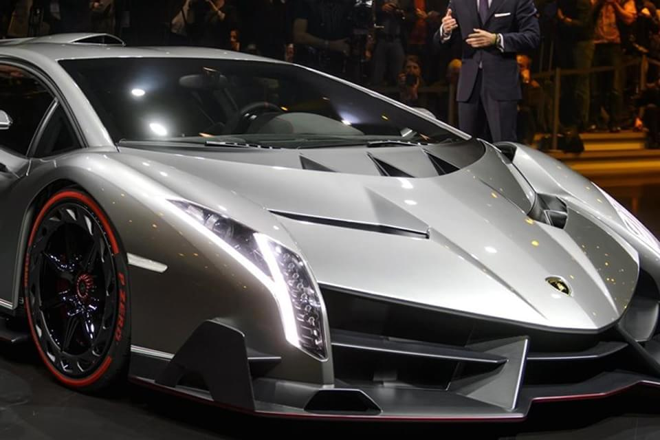 Modder Desenvolve Computador Inspirado Na Lamborghini Veneno Tecmundo