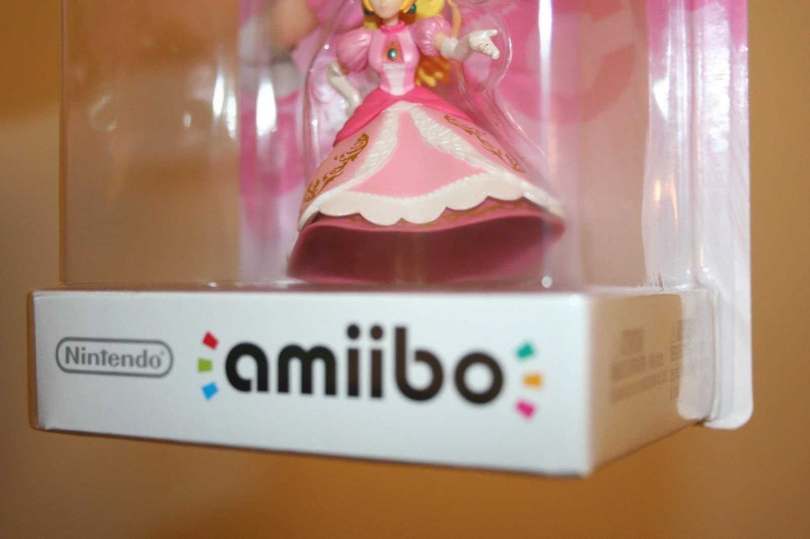 Amiibo da Princesa Peach é encontrado sem pernas e vendido no eBay