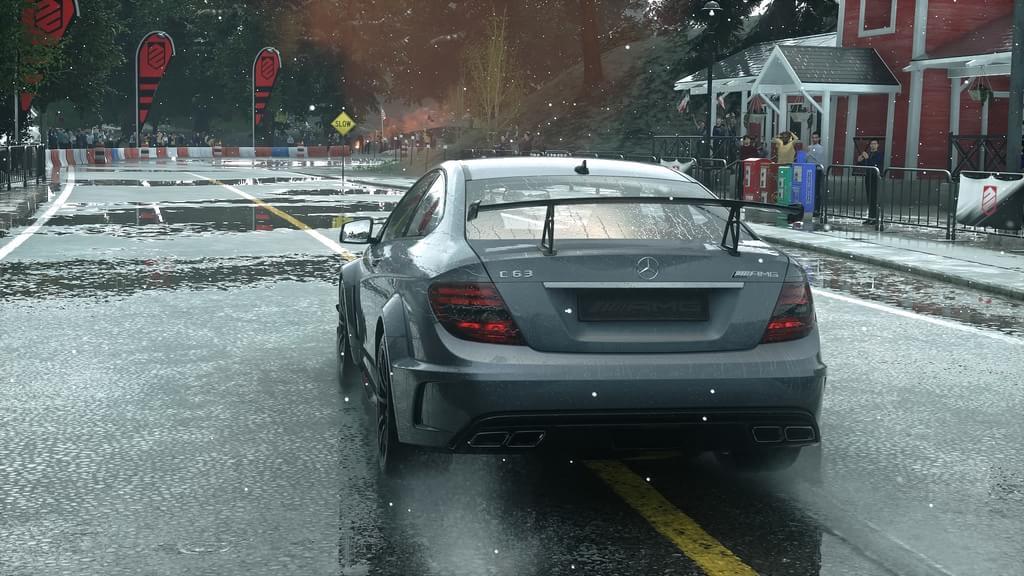 Olha a chuva! Não, não é mentira: ela finalmente chegou a DriveClub [vídeo]