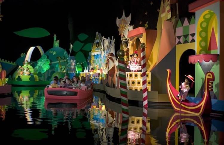 Its Magical Toys : Medo lendas macabras e fantasmagóricas sobre os parques