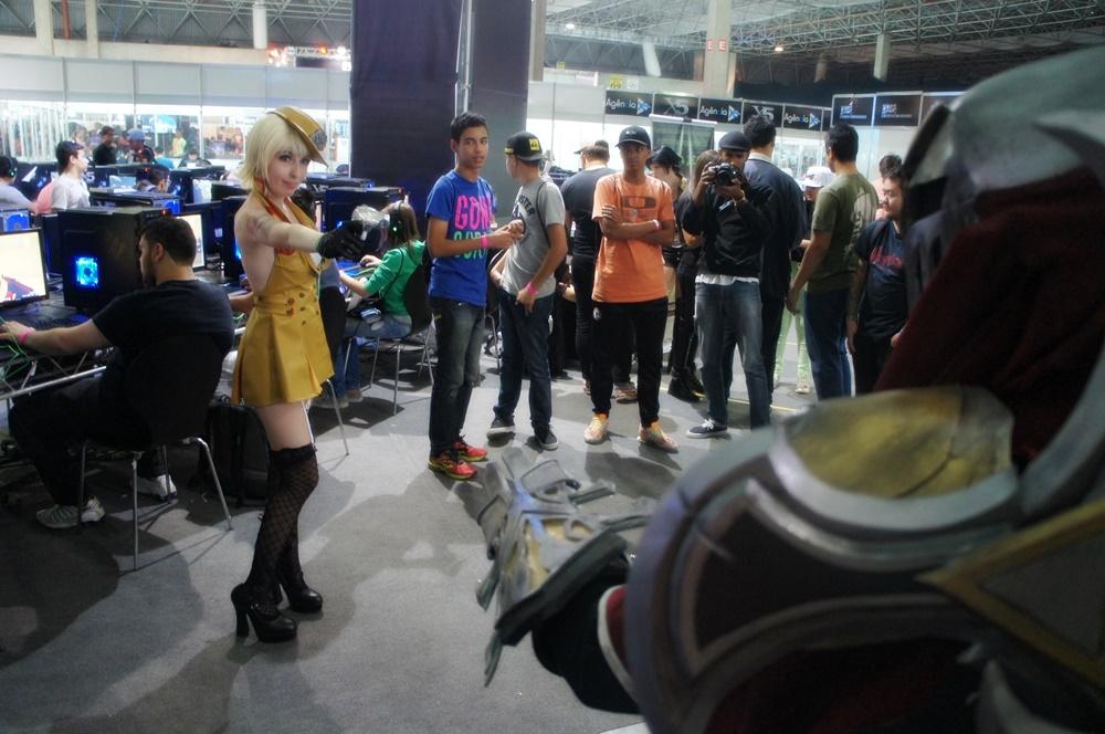 Hora da fantasia: confira as gatas e cosplayers dos primeiros dias da XMA
