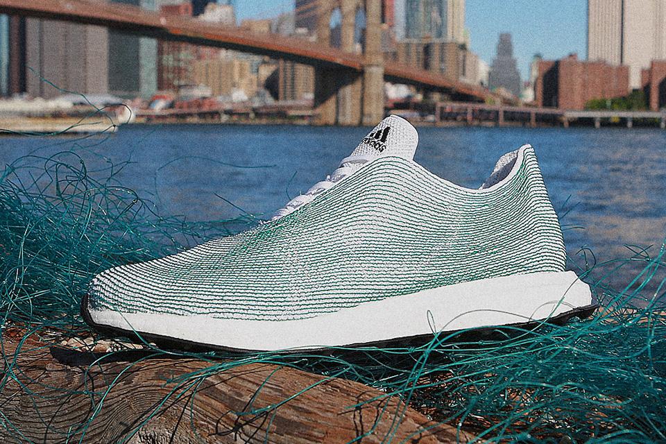 4e6fa3f7cd Adidas cria tênis a partir de plásticos encontrados em oceanos - TecMundo