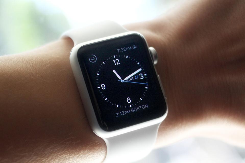 cd26593cabe Culpa do Apple Watch  Venda de relógios tradicionais só cai nos EUA -  TecMundo