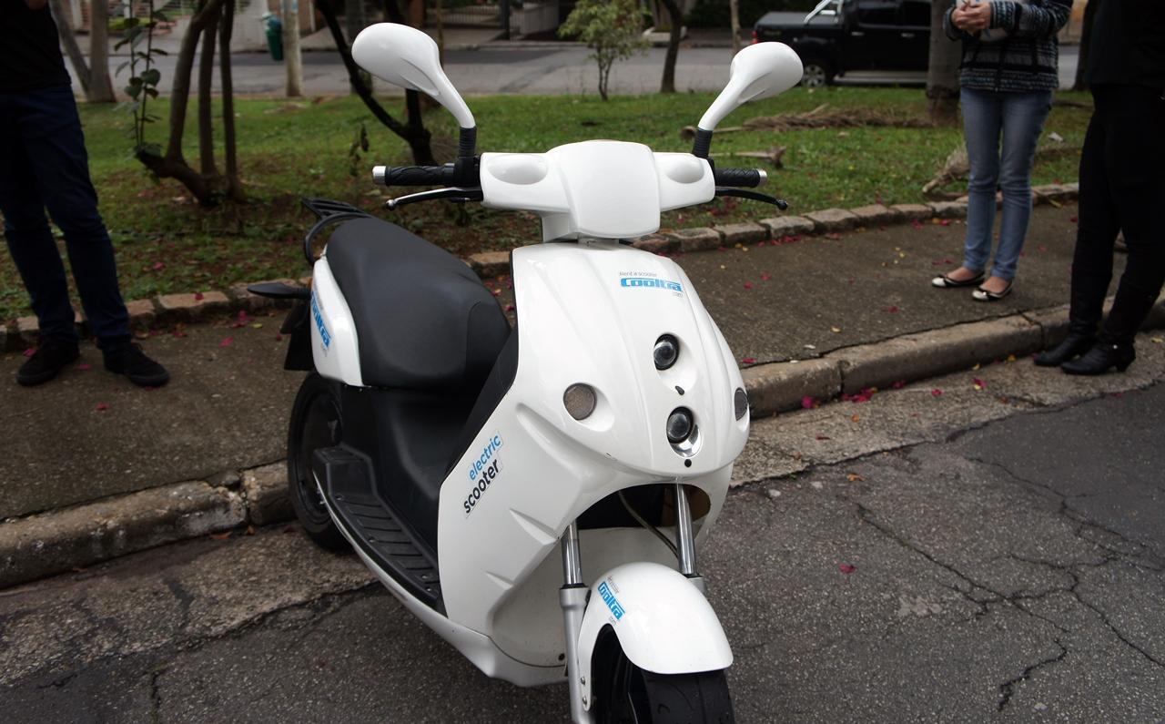 ff57b6ea8bb Cooltra  testamos a scooter elétrica que você pode alugar no Brasil  vídeo