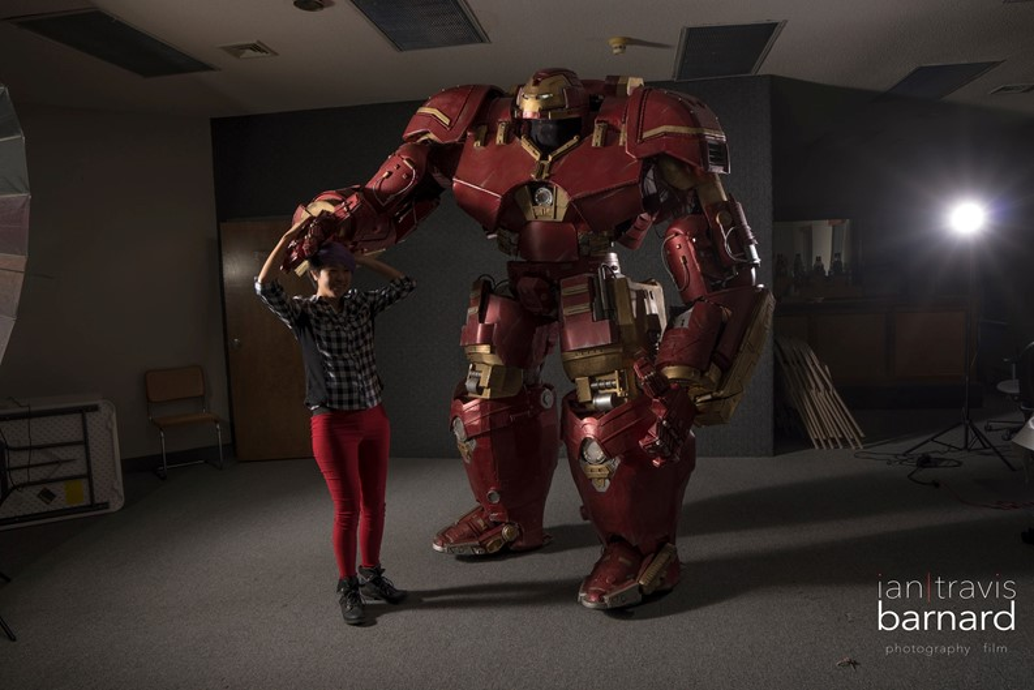 84ce5e6f8 Fã de Homem de Ferro cria cosplay em tamanho real da Hulkbuster [vídeo]