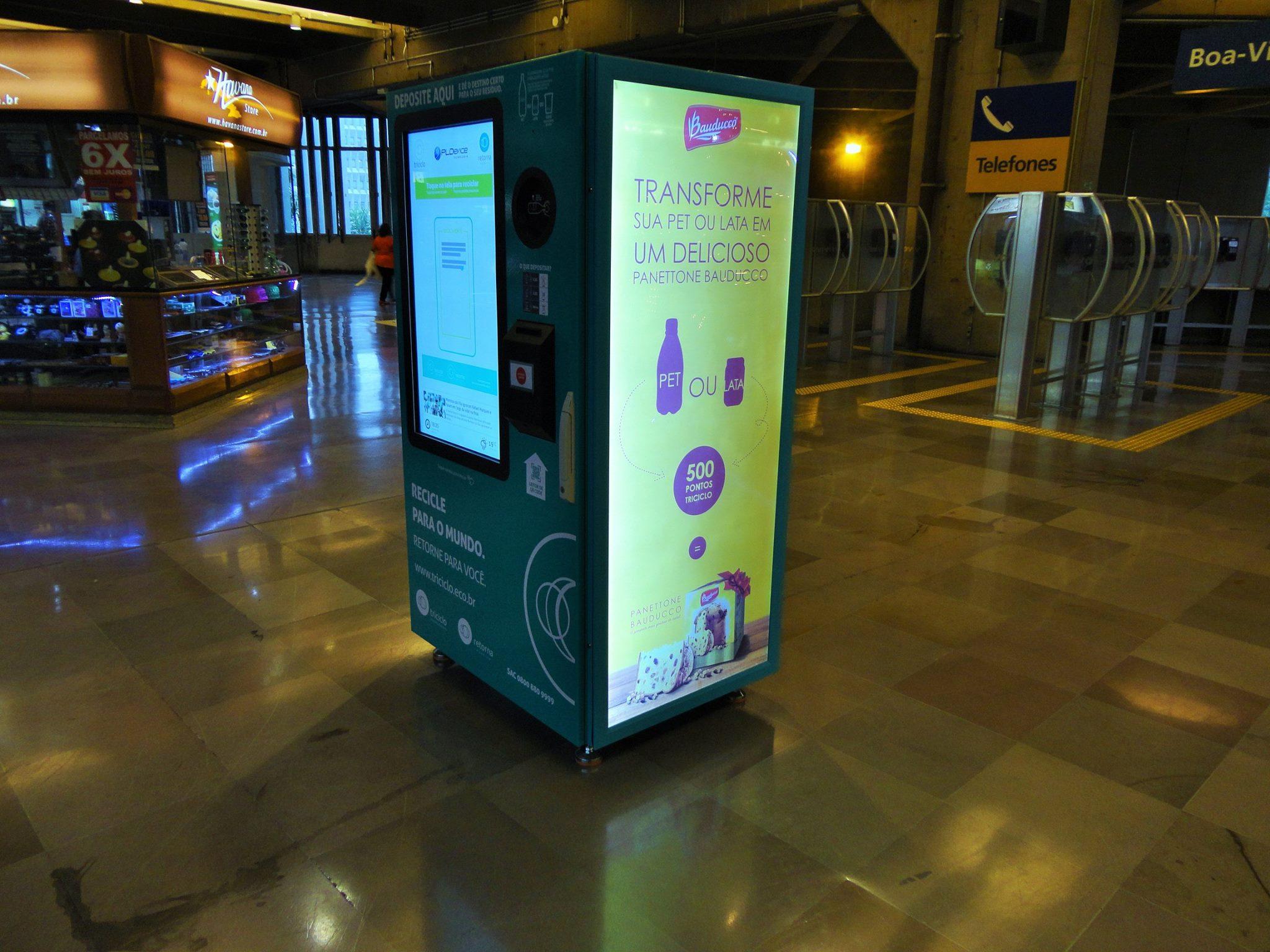 Retorna Machine: máquina troca garrafas e latinhas por descontos em compras