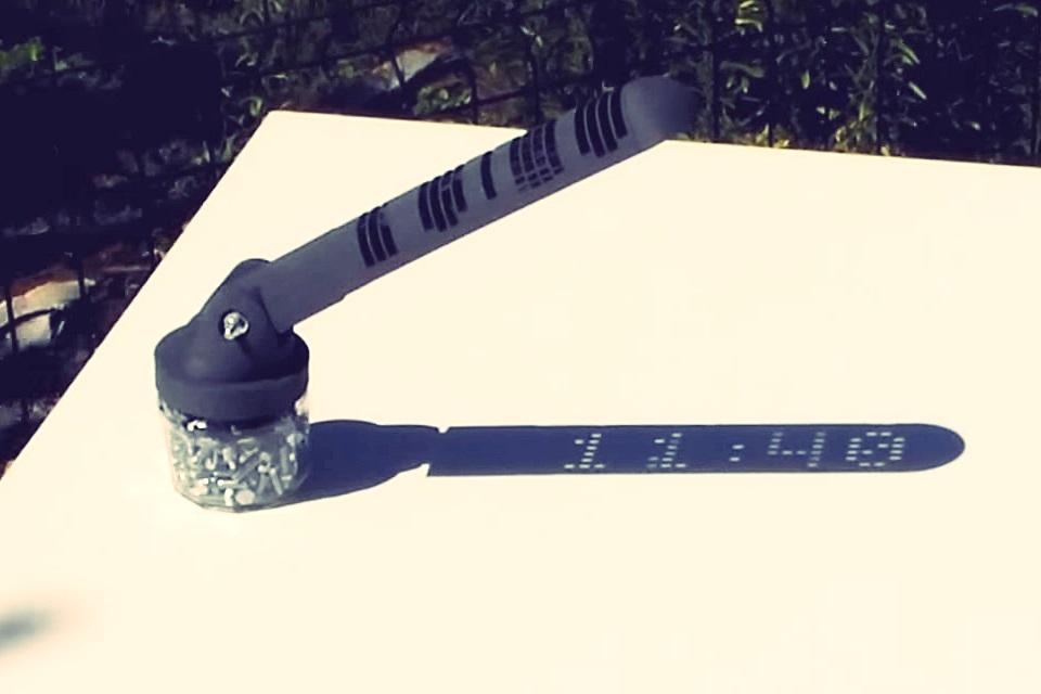 919e1d48f47 Relógio de sol épico impresso em 3D marca horas com indicadores digitais -  TecMundo