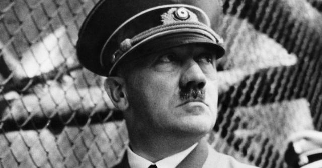 09120357330182 Además de tener un micropene, Hitler sería el rey de los fetiches, según informe