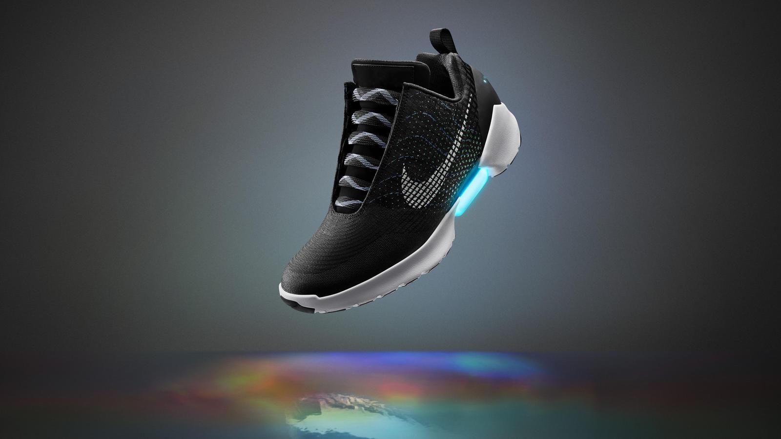 bfde98315a Nike começar a vender tênis que se amarra sozinho no Brasil - TecMundo